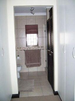 3 Bedroom Apartment / Flat To Rent in Umgeni Park