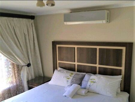 Fully Furnished Self-Catering 2-Bedroom Apartment To Let in Emnotweni Avenue.
