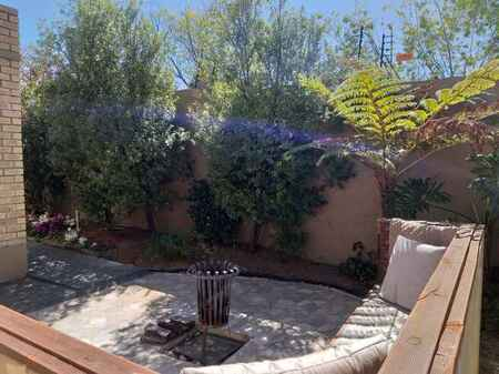 Townhouse Rental Monthly in Olivedale