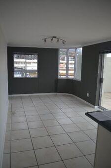Unit! 2 Bedroom/ 2 Bath Apartment to rent In Salt River