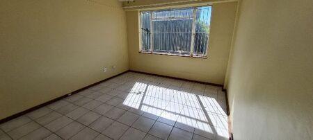 2 Bedroom Apartment to Rent in Hadison Park
