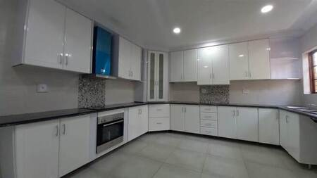 3 Bed House in Lakefield