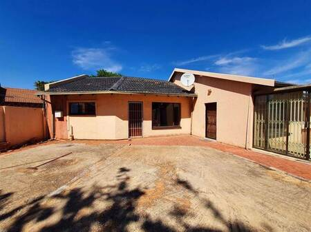 1 Bed House in Crystal Park