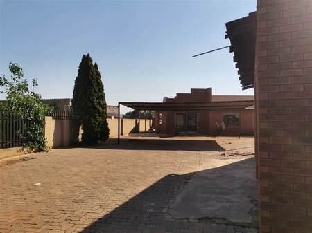2 Bed House in Meyerton Central