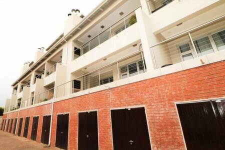 2 Bed Apartment in Craighall Park