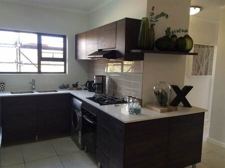 3 Bed Apartment in Olivedale