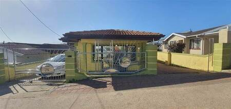 3 Bed House in Newlands West