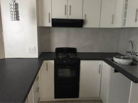 2 Bed Apartment in Parow Central