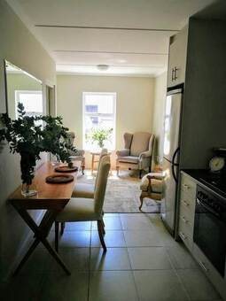 1 Bed Apartment in Paarl