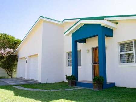 Immaculate Family Home for sale in Pringle Bay