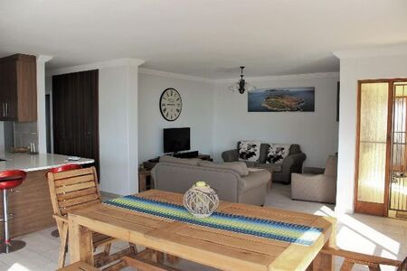 Three Bedroom Apartment/Flat to Rent in Strand North