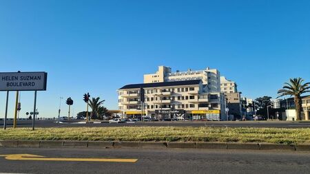 1 Bedroom Apartment To Let in Mouille Point
