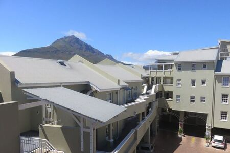 2 Bedroom Flat For Sale in Stellenbosch Central