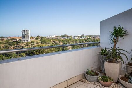 2 Bedroom Apartment / Flat To Rent in St Georges Park