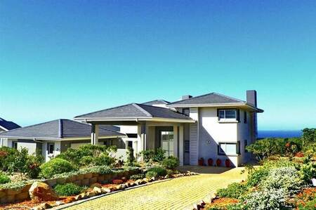 4 Bed House in Pinnacle Point Golf Estate
